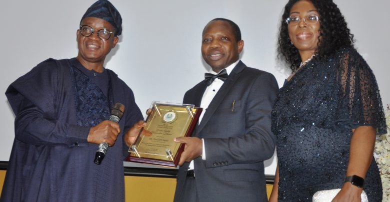 Tope Smart Bags UNILAG Alumni Recognition Award